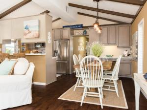 Canal House, Holiday homes  Galveston - big - 6