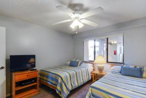 Lands End #204 building 9 Condo, Apartments  St Pete Beach - big - 17