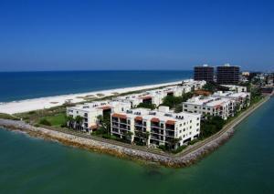 Lands End #204 building 9 Condo, Apartments  St Pete Beach - big - 2