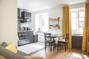Place du Palais 3°, Appartamenti  Bordeaux - big - 1