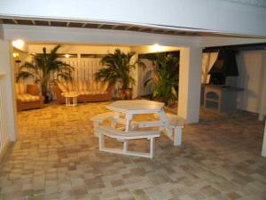 Sunset Villas Unit #1 Condo, Apartments  Clearwater Beach - big - 9