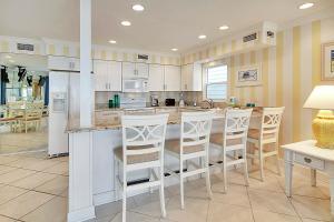 Sunset Villas Unit #1 Condo, Apartments  Clearwater Beach - big - 2