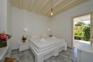 Surfing Beach Village Paros, Hotel  Santa Maria - big - 4