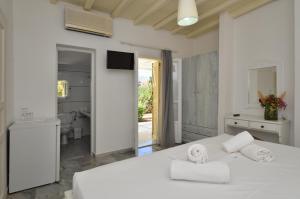 Surfing Beach Village Paros, Hotel  Santa Maria - big - 14