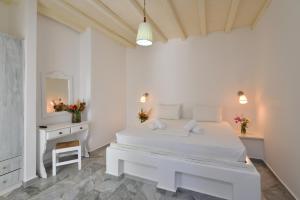 Surfing Beach Village Paros, Hotel  Santa Maria - big - 13