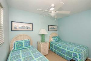#121 At Surf Song Resort, Apartmanok  St Pete Beach - big - 23