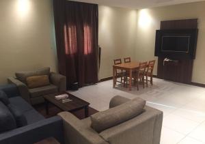 Drr Ramah Suites 7, Aparthotely  Rijád - big - 5