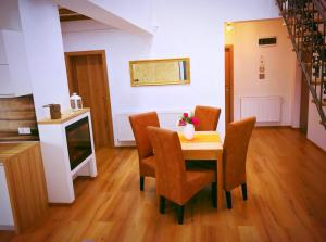 Holiday Inn Apartment, Apartments  Sibiu - big - 16
