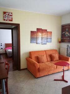 Accogliente bilocale con terrazzo vicino Rho Fiera - AbcAlberghi.com