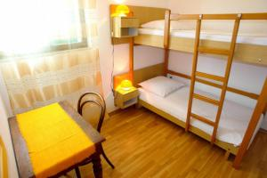 Apartment Leticija, Holiday homes  Bol - big - 9