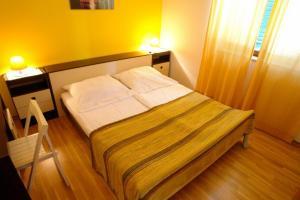 Apartment Leticija, Holiday homes  Bol - big - 14