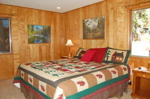 23 Arnett's Cabin, Holiday homes  Wawona - big - 11