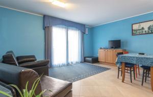 Guesthouse Lovrecica (4245), Apartmány  Lovrečica - big - 27