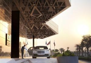 Four Seasons Hotel Kuwait at B..