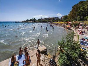 Three-Bedroom Holiday home in Split, Dovolenkové domy  Split - big - 16