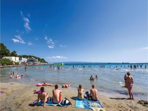 Three-Bedroom Holiday home in Split, Dovolenkové domy  Split - big - 12