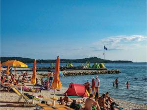 Two-Bedroom Holiday home with Sea View in Fazana, Dovolenkové domy  Fažana - big - 5
