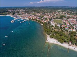 Two-Bedroom Holiday home with Sea View in Fazana, Dovolenkové domy  Fažana - big - 4
