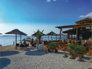Two-Bedroom Holiday home with Sea View in Fazana, Dovolenkové domy  Fažana - big - 3