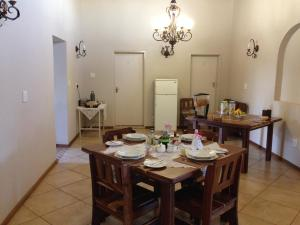 U&K Bed & Breakfast, Bed & Breakfast  Karasburg - big - 16