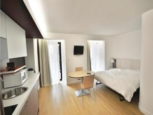 Apartment Rue Bertrand Lépine II, Apartmanok  Cannes - big - 5