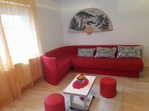 Apartment Red Lotus, Apartments  Novi Sad - big - 1