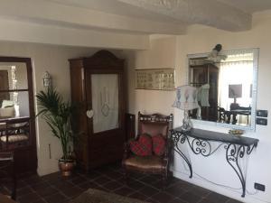 Chambre d'hôtes de charme La Belle Vue, Panziók  Roquebrune-Cap-Martin - big - 34