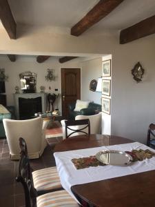 Chambre d'hôtes de charme La Belle Vue, Panziók  Roquebrune-Cap-Martin - big - 14