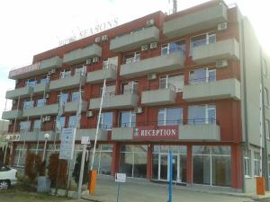 Hotel Seasons 2