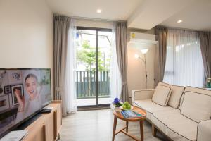 The Deck Condo Patong by VIP, Apartmány  Patong - big - 29