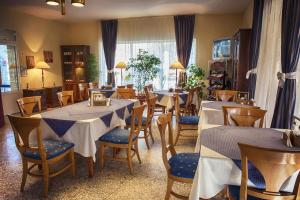 Russalka Hotel, Hotels  St. St. Constantine and Helena - big - 96