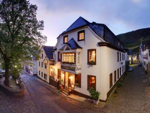 Hotel Weingut Schützen - Grenderich