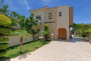 Villa Shanta, Vily  Peyia - big - 13