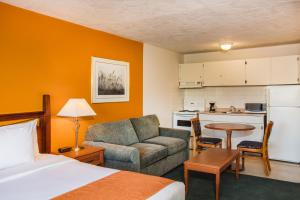Howard Johnson Hotel by Wyndham Victoria, Hotels  Victoria - big - 11