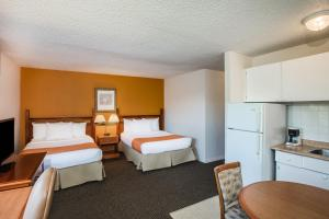 Howard Johnson Hotel by Wyndham Victoria, Hotels  Victoria - big - 10