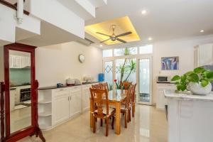 The Lovely Pool House Near By The Beach, Holiday homes  Da Nang - big - 29