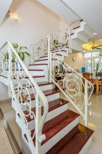 The Lovely Pool House Near By The Beach, Holiday homes  Da Nang - big - 28