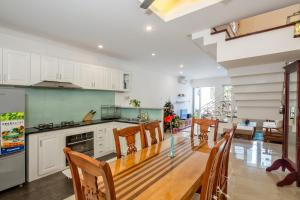 The Lovely Pool House Near By The Beach, Holiday homes  Da Nang - big - 27