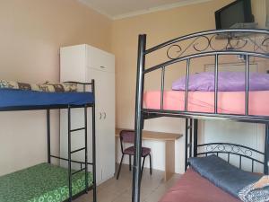 3床男性宿舍间