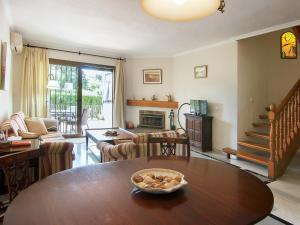 Apartment Jardines de Las Chapas, Apartmanok  Marbella - big - 21
