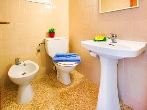 Apartment TRINITAT.3, Apartmanok  Roses - big - 29