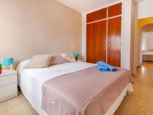 Apartment TRINITAT.3, Apartmanok  Roses - big - 32