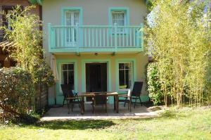 Maison jumelée dans residence avec piscine - 317, Ferienhäuser  Lacanau - big - 3