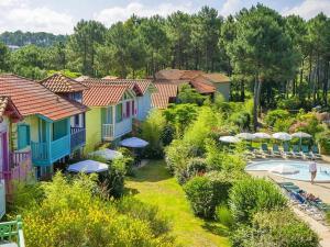 Maison jumelée dans residence avec piscine - 317, Ferienhäuser  Lacanau - big - 8