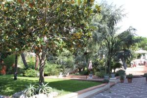 Hotel Villa La Colombaia, Hotels  Portici - big - 67