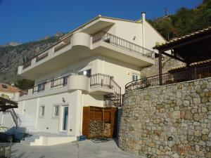 Amazing 2-bed apartment in spectacular villa with stunning sea views, Case vacanze  Káto Sélitsa - big - 16