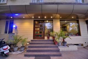 Hotel Pride, Отели  Чандигарх - big - 1