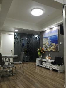 Hong Kong Tai San Guest House (Burlington Branch)
