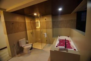 Grand Harvest Resort & Villas, Resort  Banyuwangi - big - 100