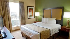 Two-Bedroom Suite with 2 Queen Beds- Non-Smoking